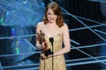 Ема Стоун грабна Оскар за най-добра актриса