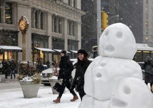 Ню Йорк се готви за снежна буря