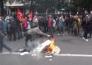 Коктейли Молотов и ранени на протест в Париж
