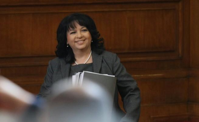 Министърът на енергетиката Теменужка Петкова в Народното събрание