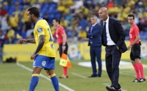 Реал се издъни срещу Лас Палмас, Зизу смени Роналдо
