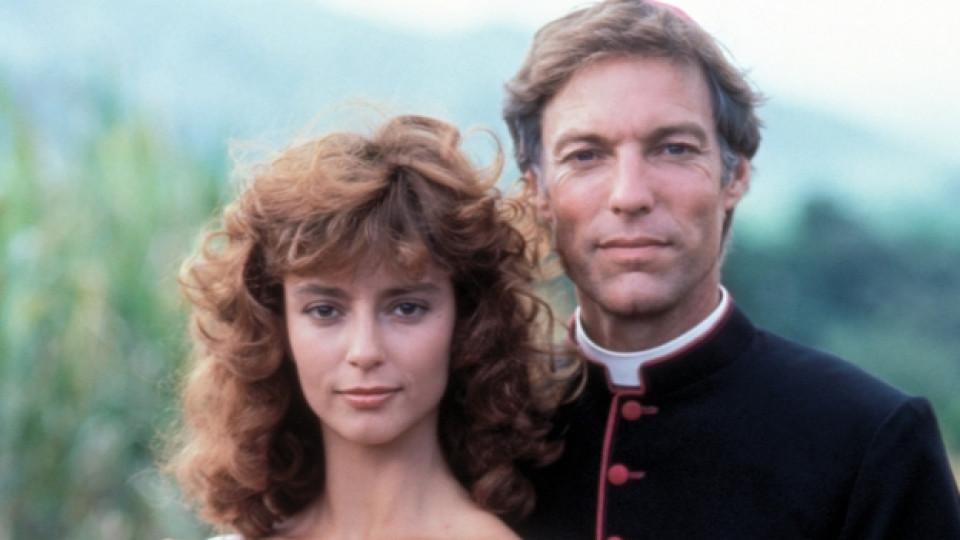 """За ролята си в """"Птиците умират сами"""" Ричард Чембърлейн получава """"Златен глобус"""" през 1984 г."""