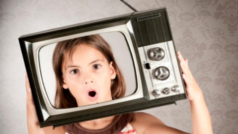 деца агресия телевизия вербален двигателна активност социален родители