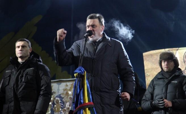 Водачите на опозицията в Украйна: Виталий Кличко, Олег Тягнибок и Арсений Яценюк