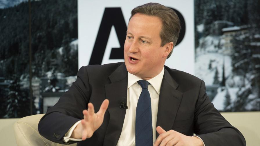 Дейвид Камерън възмути всички с изказването си за мигрантите