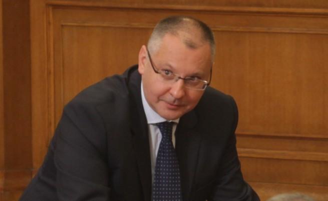 Станишев: Първанов и Петков имат време да размислят