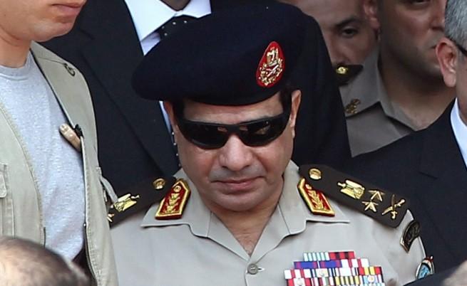 АФП: Египетската армия свали маската от лицето си