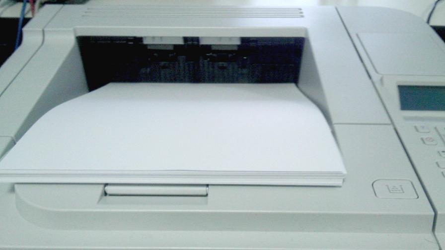 Принтер работи с вода, вместо с мастило
