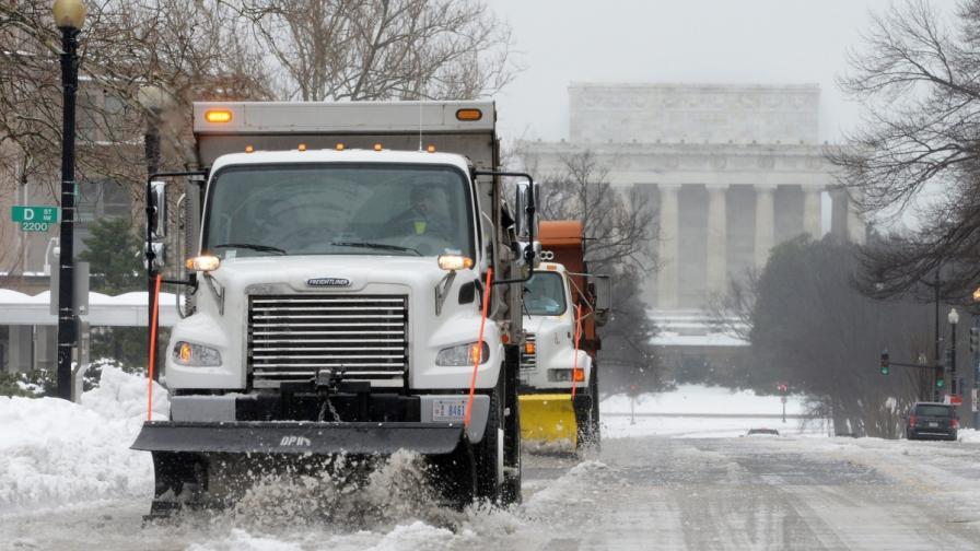 Лошото време в САЩ взе най-малко 21 жертви