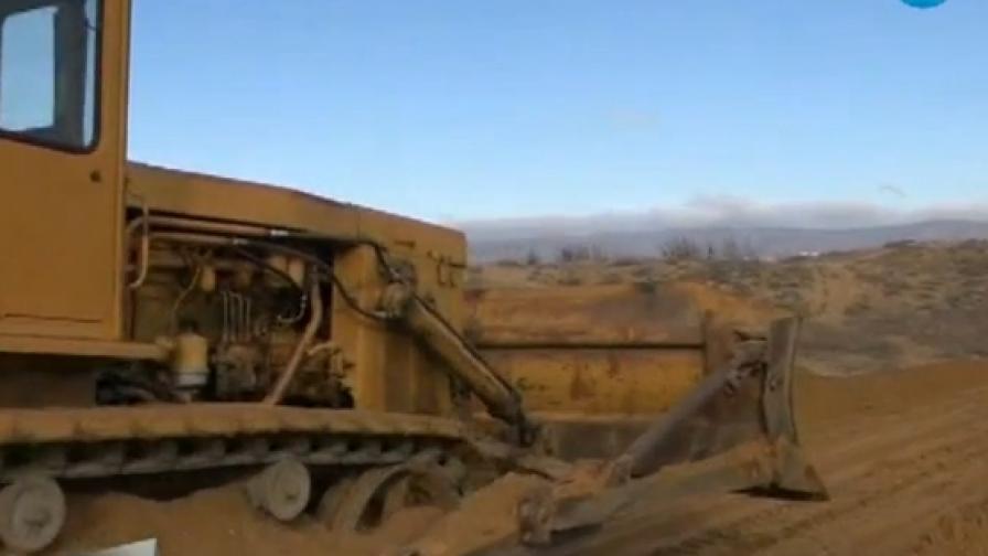 Съдът пусна багерите в несебърските дюни