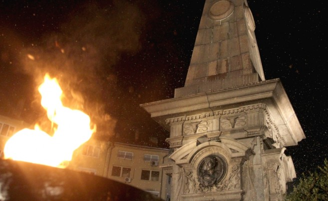 Засилени мерки за сигурност около паметника на Левски