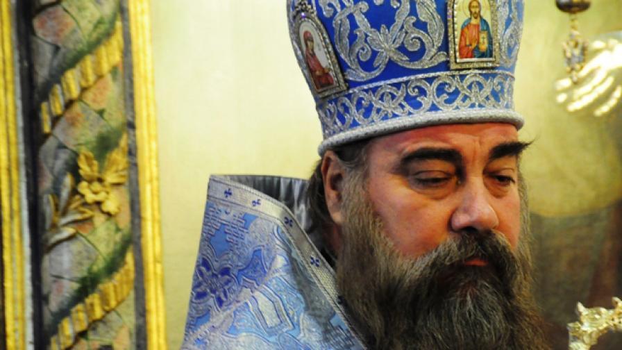 Игуменът на Бачковския манастир отива на църковен съд заради порноклип