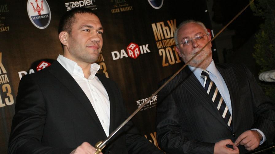 """Кубрат Пулев получи сабята си за """"Мъж на годината"""""""