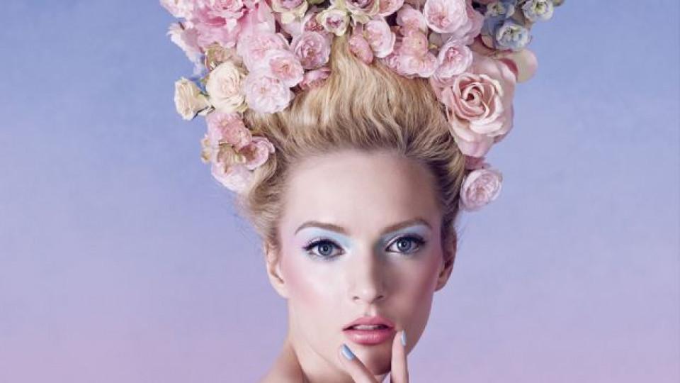 Пролетната грим колекция на Dior Trianon рисува нежна визия с порцеланов тен, скули, обгърнати в руж и пастелни клепачи