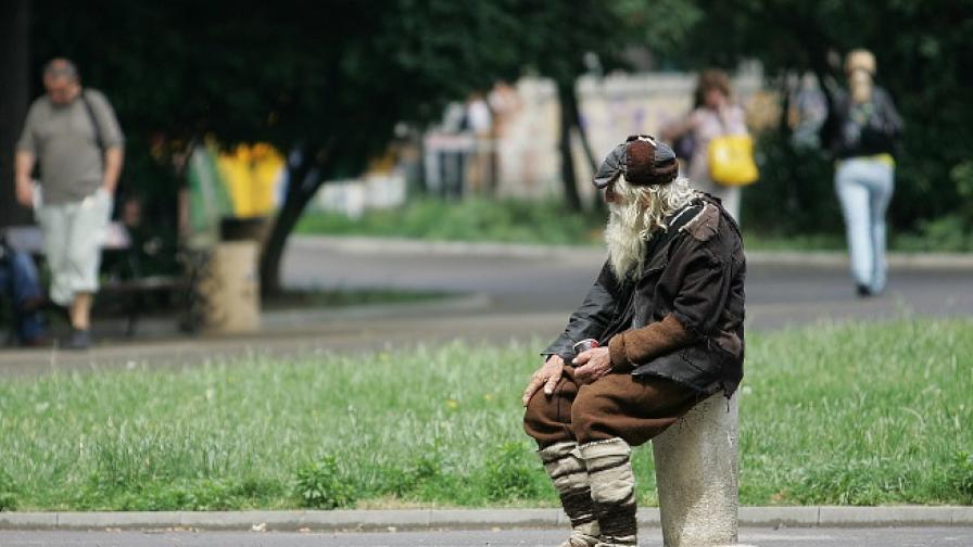 """""""Хъфингтън пост"""": Дядо Добри, който проси и помага ежедневно"""