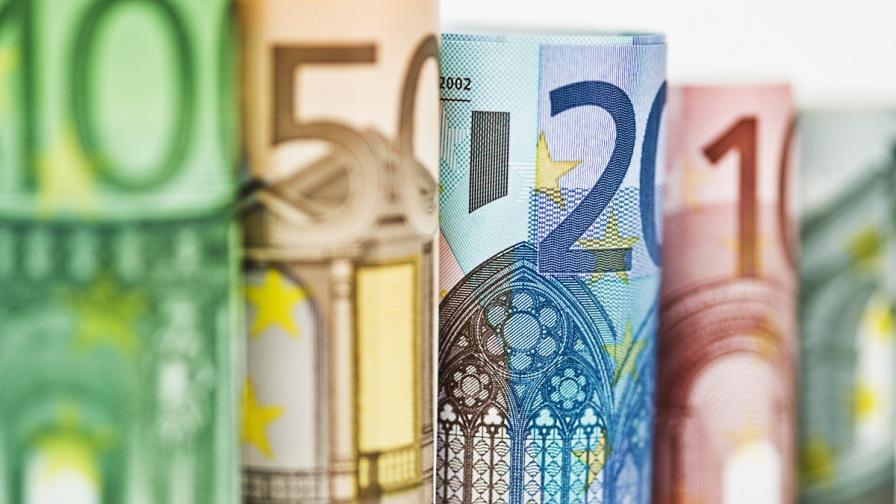 """България ще вложи 100 млн. евро в плана """"Юнкер"""""""