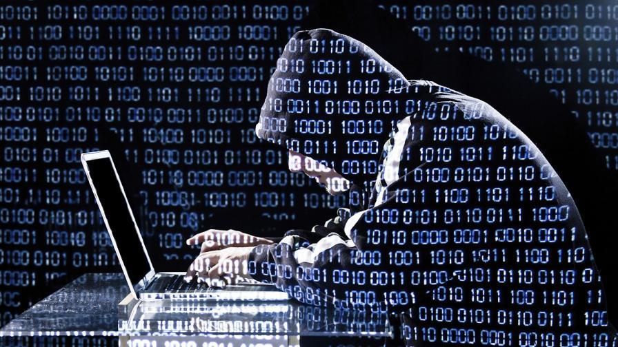 Мъж измами две технологични компании със 100 млн. долара