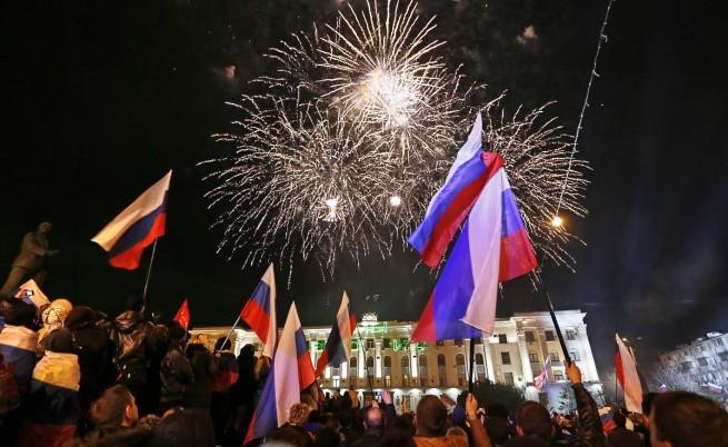 Властите в Крим и Севастопол взеха решение да поискат присъединяване към Русия