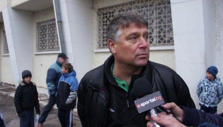 Пламен Николов: Не са взети мерки навреме за вратарите в Левски