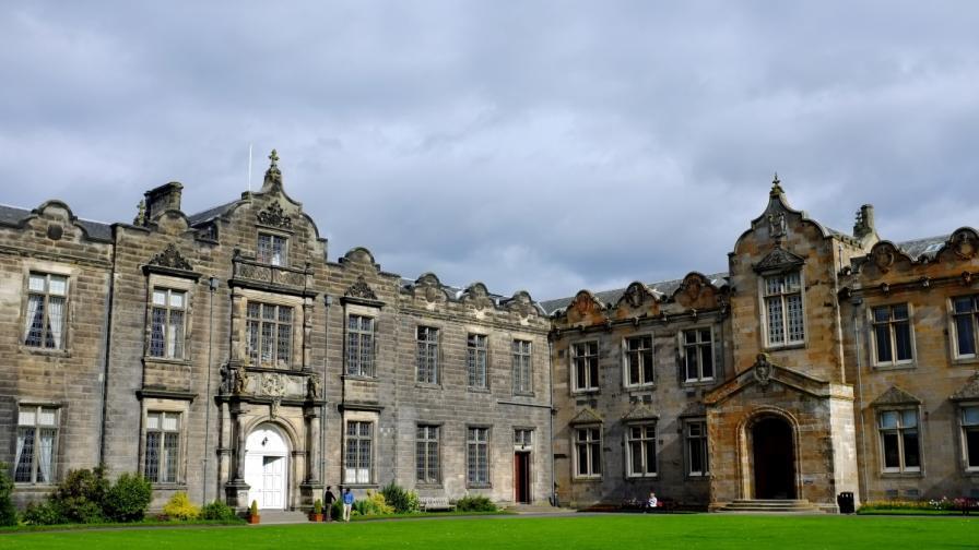 ЕК разследва спрените заеми за наши студенти на Острова