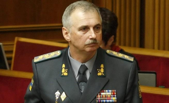 В Украйна отстраниха военния министър заради Крим