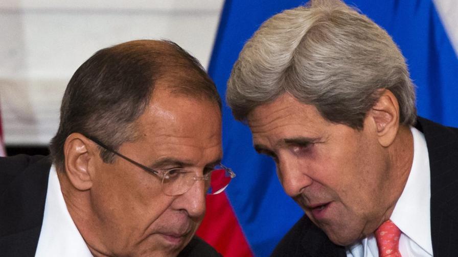 Сергей Лавров (л) и Джон Кери