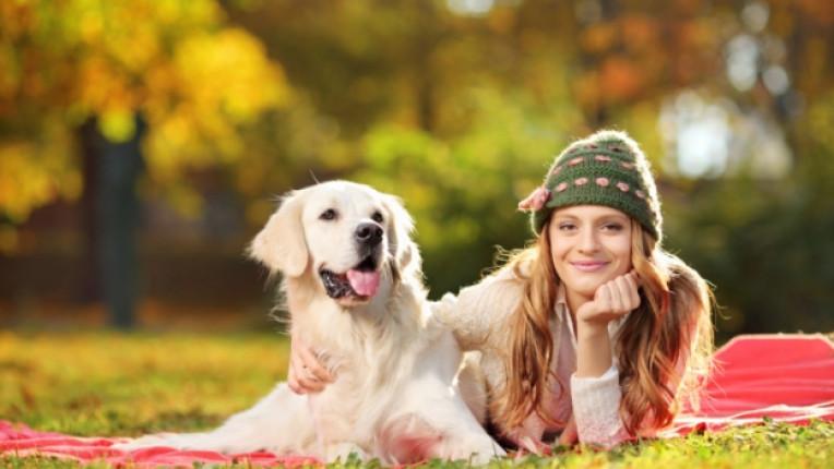 жена куче домашен любимец разходка природа