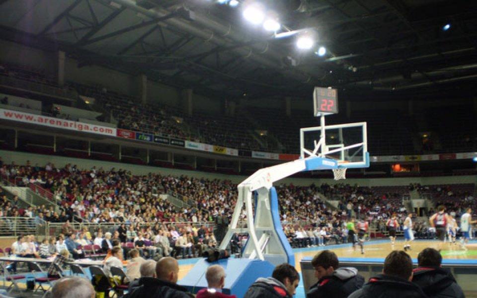 Чакат 10-хилядна публика в Рига довечера