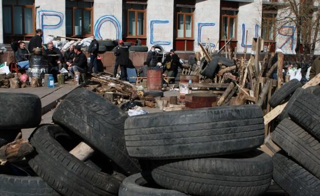 """Противоречива информация за """"заложниците"""" в Луганск"""