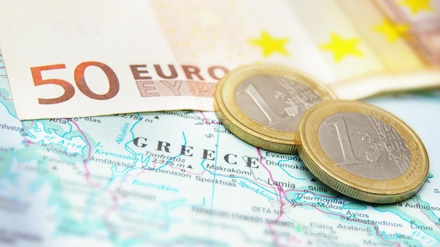 """""""Ройтерс"""" за гръцките банки в България и Македония"""