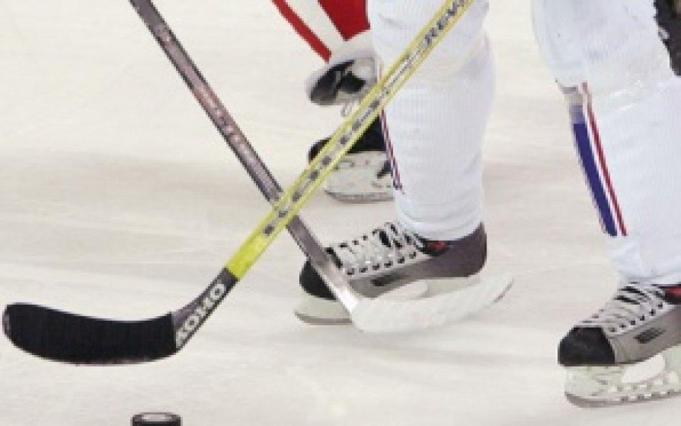 Националният отбор по хокей замина за Световно в орязан състав