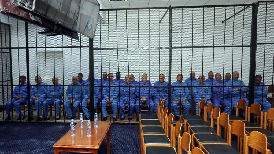 В Либия започна процес срещу хора на Кадафи