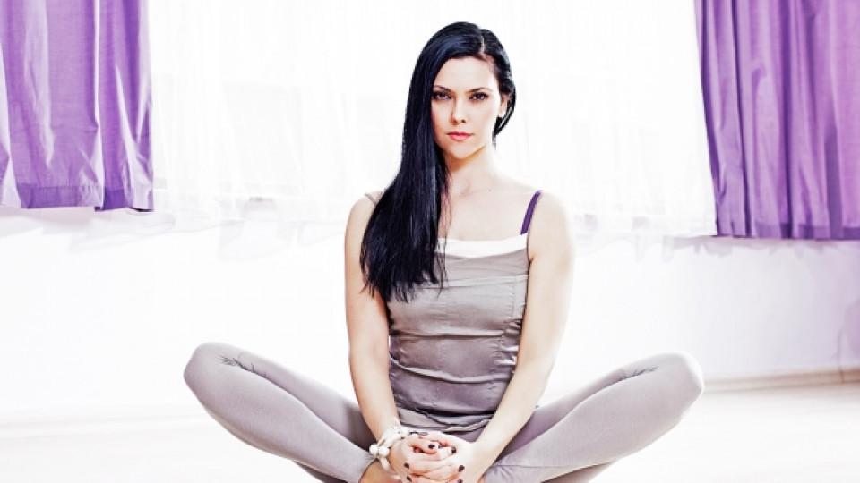 Видео: Йога против болки в гърба