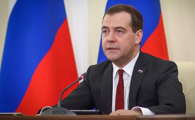 Медведев: Санкциите са ехо от Студената война