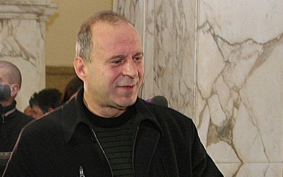 Простреляха футболния бос Юри Галев