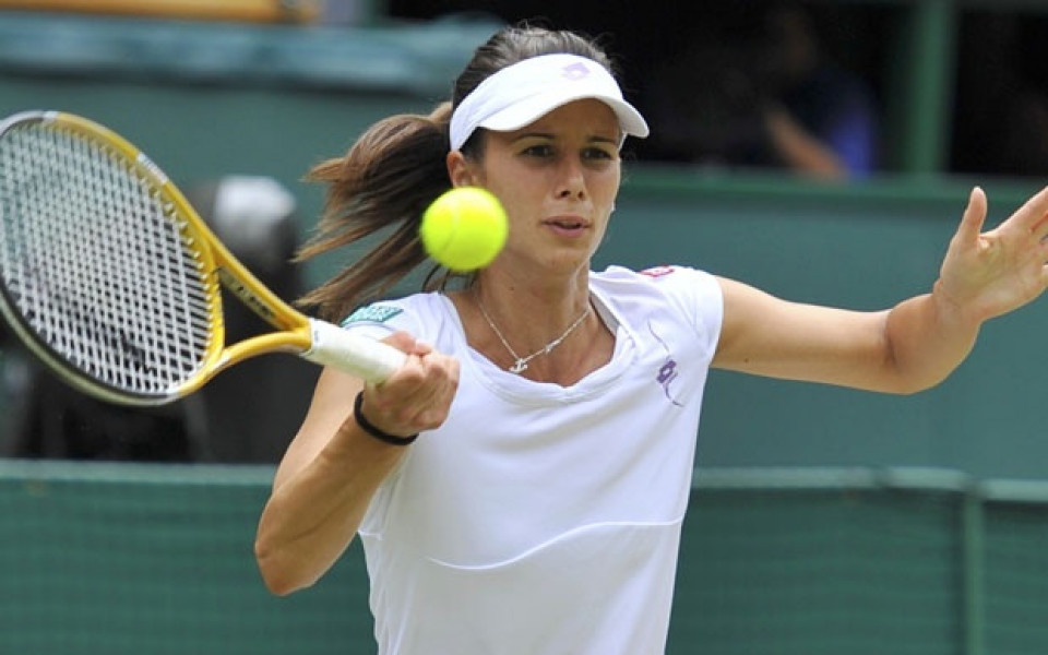 Властта да пише чекове за нови тенис кортове, а не поздравителни телеграми