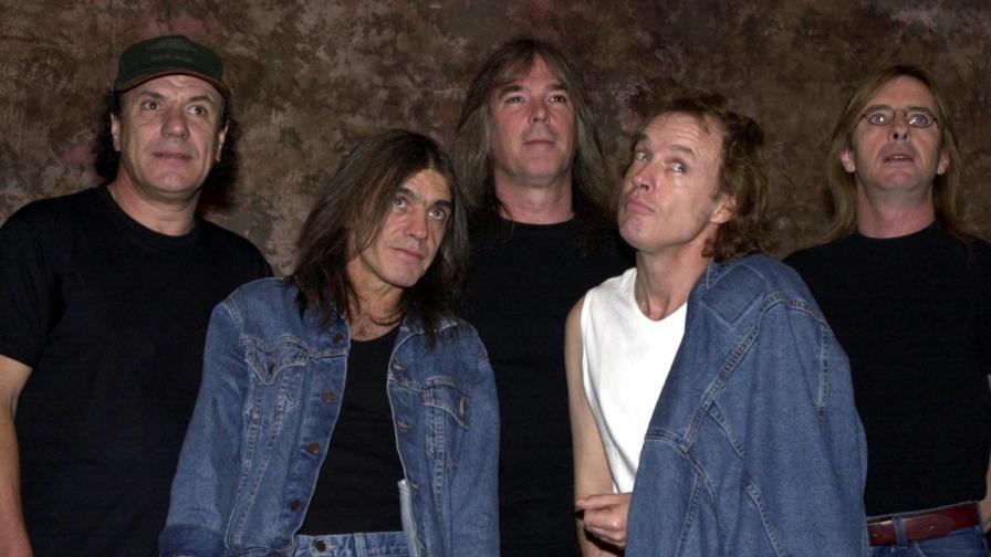 AC/DC отрекоха слуховете, че се разпадат