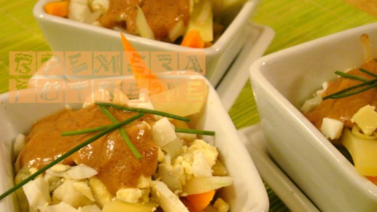 салата дресинг варени яйца карфиол зелен фасул морков соя
