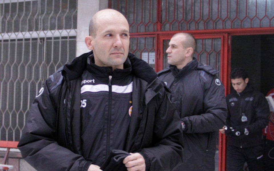 Шефовете на ЦСКА не потвърждават, Радуканов не знае за нов треньор