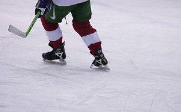 България стартира със загуба на световното по хокей в София
