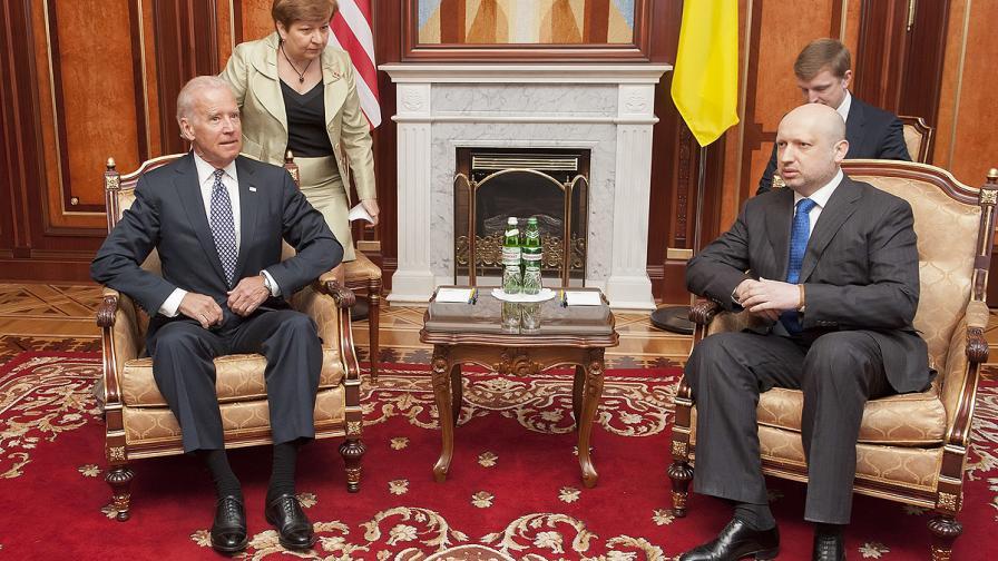 Олександър Турчинов: Действията на проруските бунтовници слагат кръст на споразумението от Женева