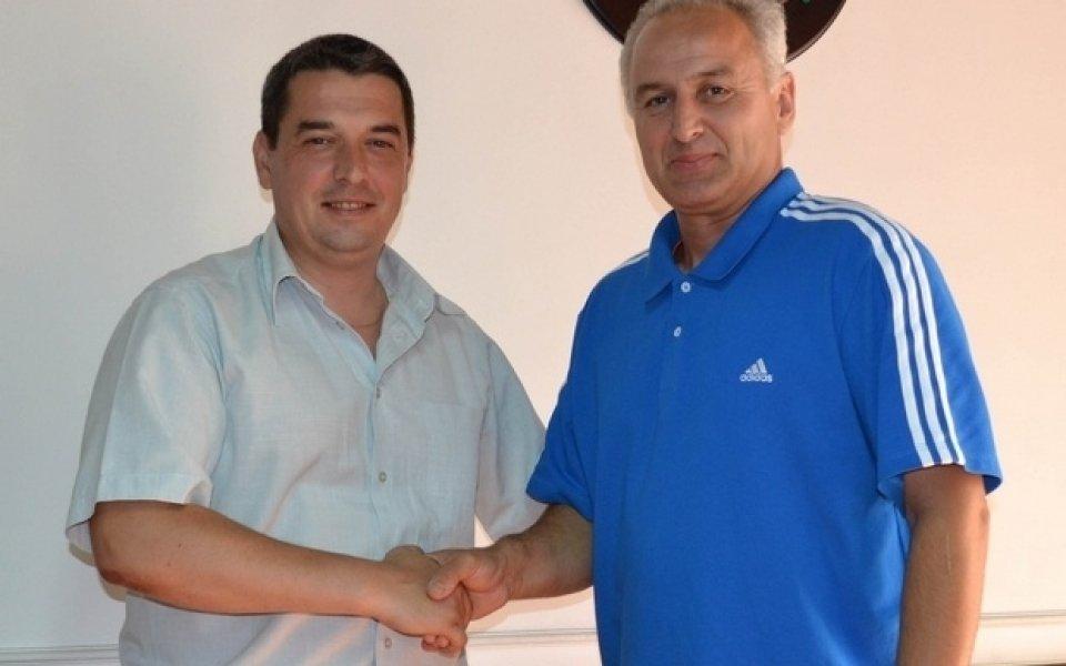 Бончо Генчев: Локомотив игра най- добрия футбол в групата
