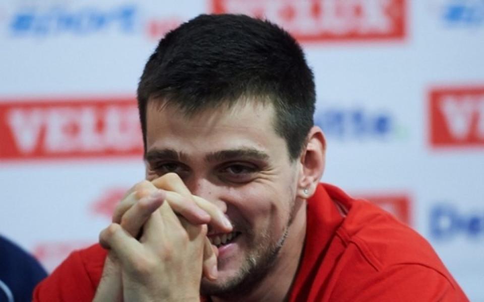 Алексиев и Олимпиакос грабнаха Купата на Лигата