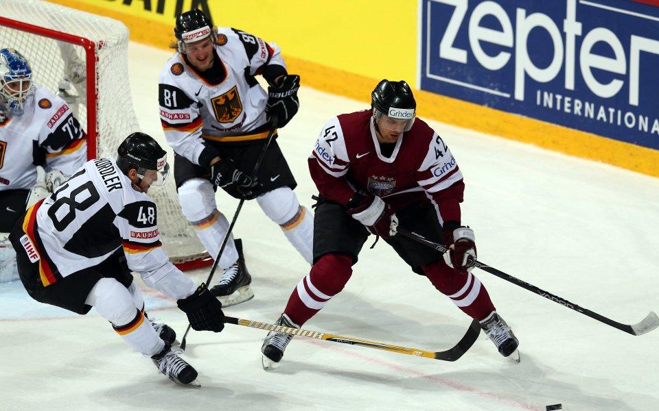 Хванаха и латвийски хокеист с допинг