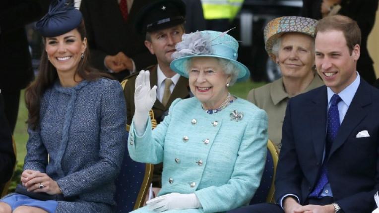 кралица Елизабет принц Уилям Кейт Мидълтън
