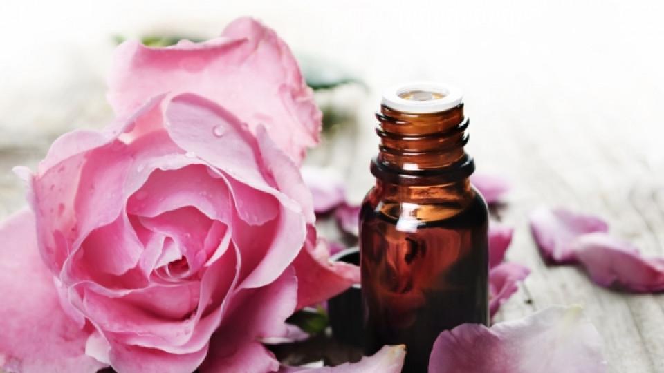 """Розовото масло от мускалите на Бай Ганьо до """"Шанел"""" и """"Кензо"""""""
