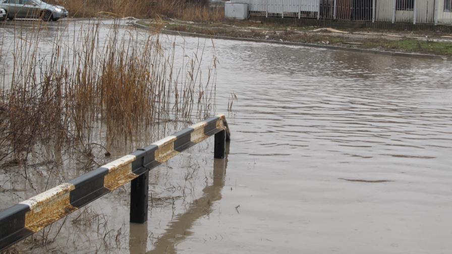 """""""Преса"""": Учени съветват България да не подценява наводненията"""