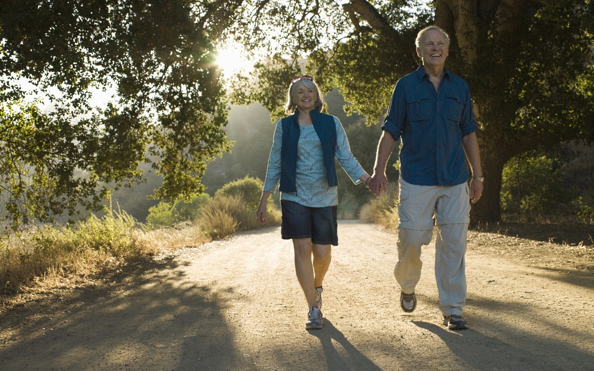 Спестяване на 10% от доходите не гарантират спокойни старини, затова спестявайте повече при възможност.