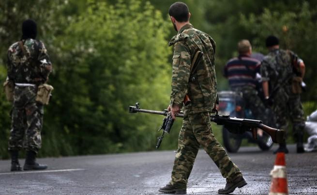 Двама руски журналисти загинаха при минометен обстрел край Луганск