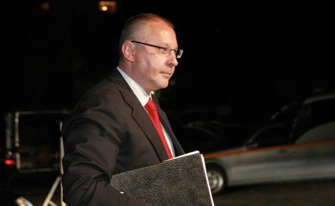 Станишев: Водихме битка на два фронта